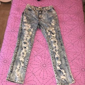 Light wash ripped jeans NWOT